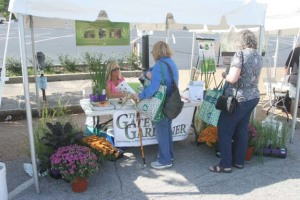 An image of the Gateway Gardener booth at the Green Homes Festival 2009